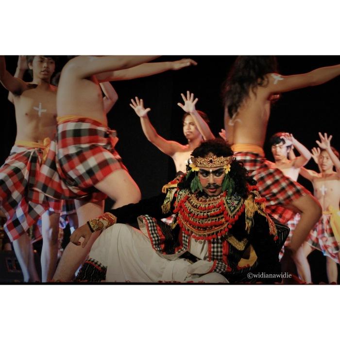 Kecak-Legong Kurusetra Dance